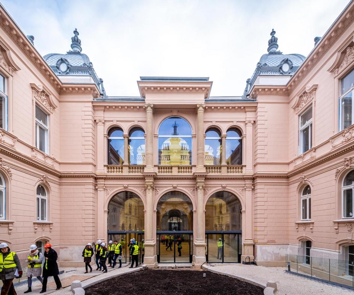 Így halad a fővárosi neobarokk palota restaurálása