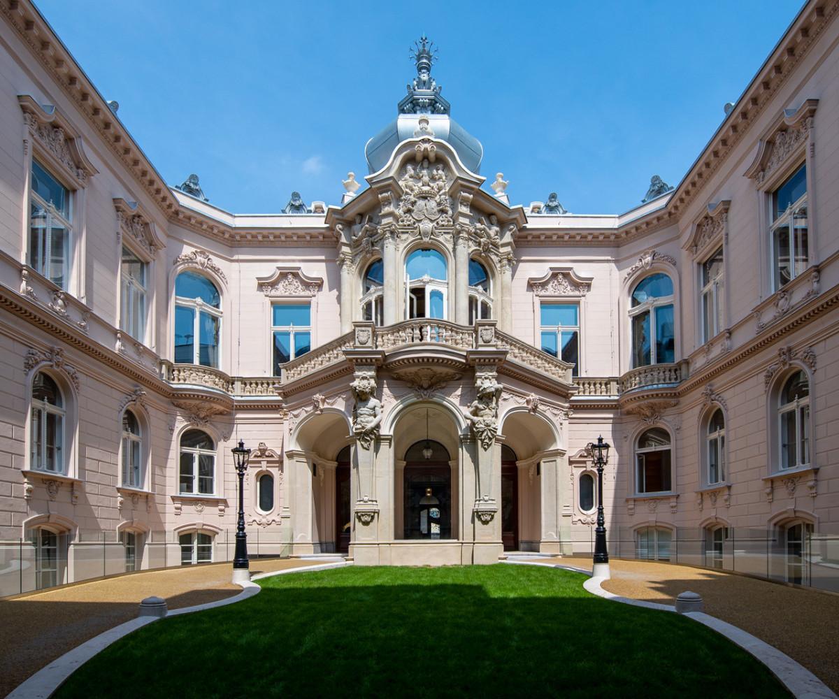 Megkezdődhet az egyetemi oktatás az elkészült fővárosi palotában