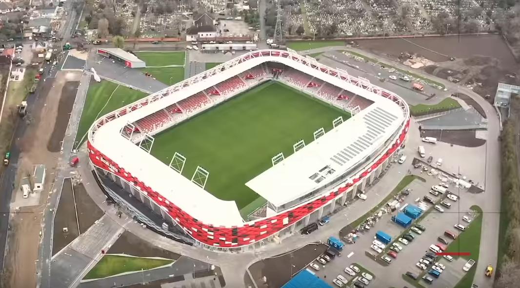 Célegyenesben az új Bozsik Stadion – videó