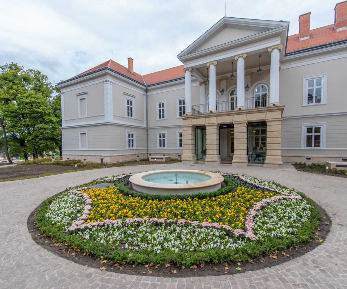Megújult 200 éves bodajki kastély - galéria